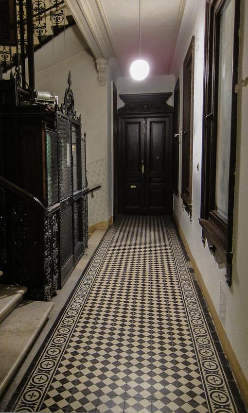 old apartment building interior 22 gumpendorferstrasse wien chris