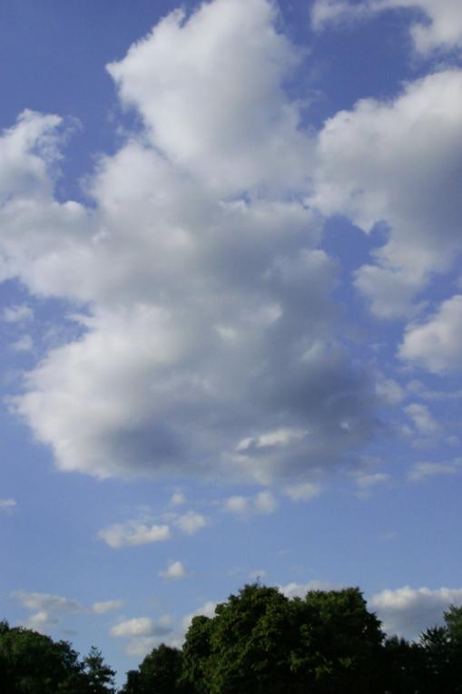 margritte sky-1