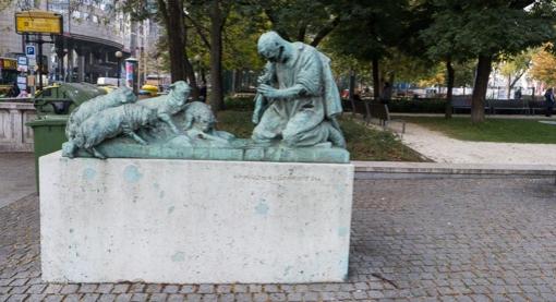 statues-8
