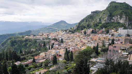 taormina-views-1