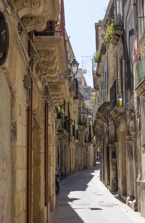 ortigia street-30