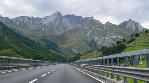 road to alps-1.jpg